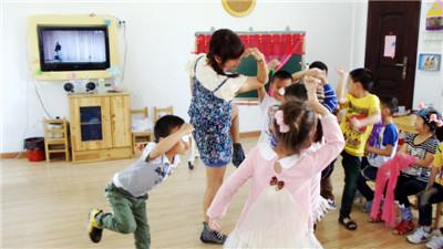 乾元镇幼:戏曲游戏 乐学乐玩