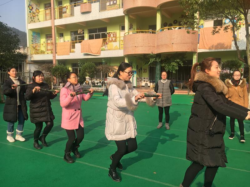 阮市中幼组织教师早操编排期末过关测试