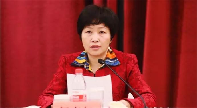 省委教育工委书记何杏仁在全省教育系统工作会