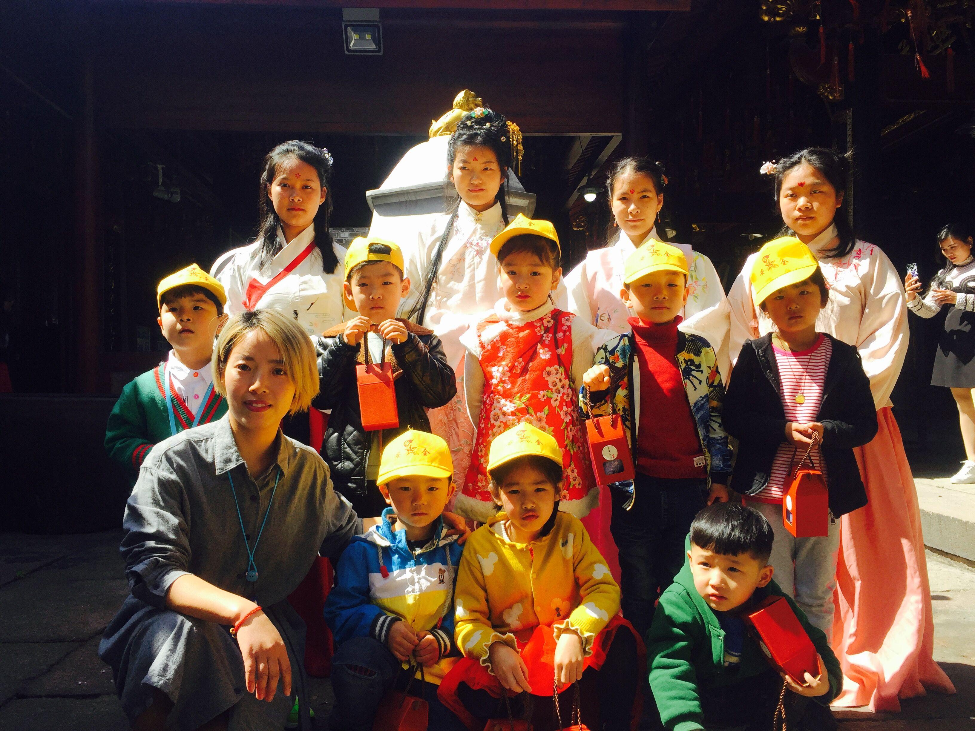 传统文化来搭桥,志愿服务入生活
