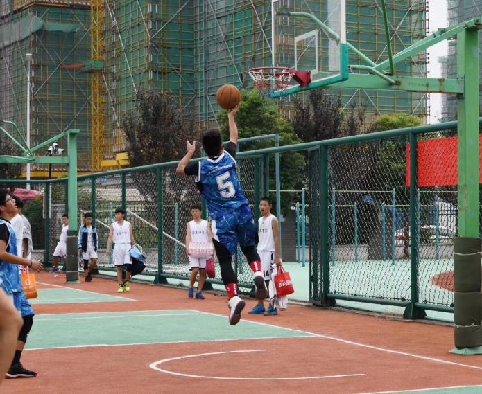 2018年南浔区中小学生篮球比赛顺利举行